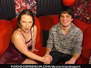 DEUTSCHLAND Explanation - Mature German amateur opens will not hear of mature pussy for a younger guy