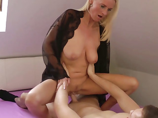 GERMAN MOM DIRTY TINA AND STEP DAUGHTER FUCK Take THREESOME